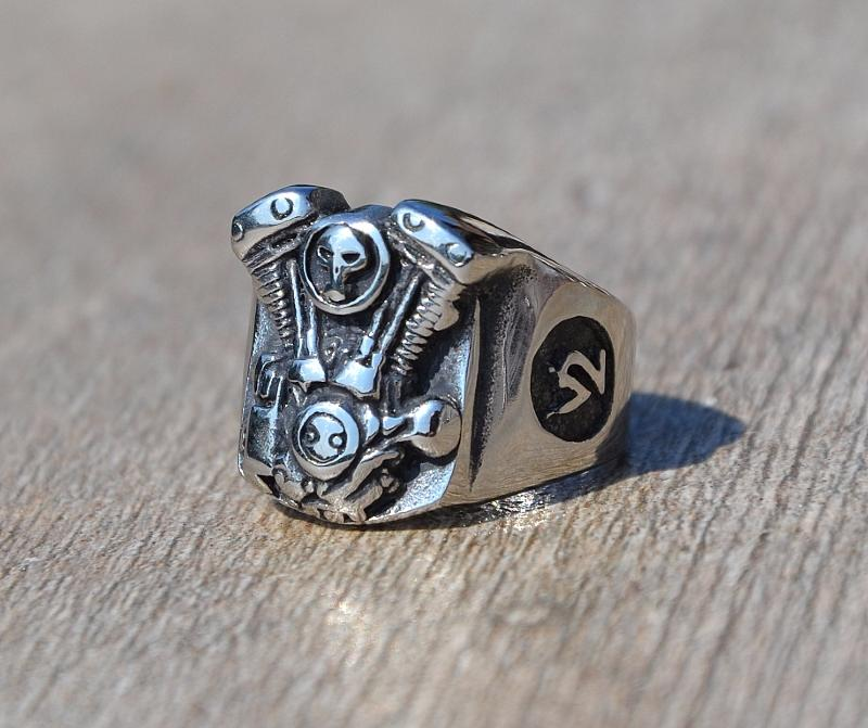 bague chevali re acier inoxydable moteur skull id al bikers gothique. Black Bedroom Furniture Sets. Home Design Ideas