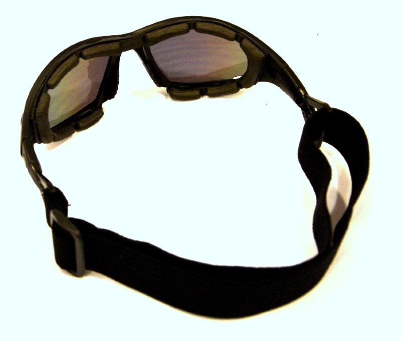Paire de Lunette de Soleil Modéle T-07 Black pour Bikers ! 44341a36dbb3