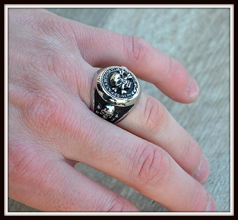 ring seal ring head of dead skull size 8 13 gothic biker ref 010107 ebay. Black Bedroom Furniture Sets. Home Design Ideas