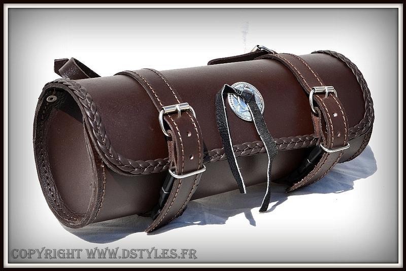 sacoche de fourche sac trousse outils cuir rond marron moto trike harley ebay. Black Bedroom Furniture Sets. Home Design Ideas