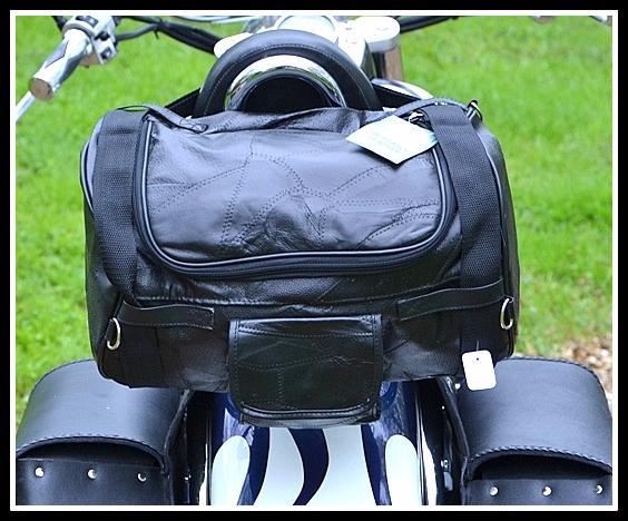 sacoche sac en cuir souple pour sissi bar pour moto custom harley shadow virago ebay. Black Bedroom Furniture Sets. Home Design Ideas