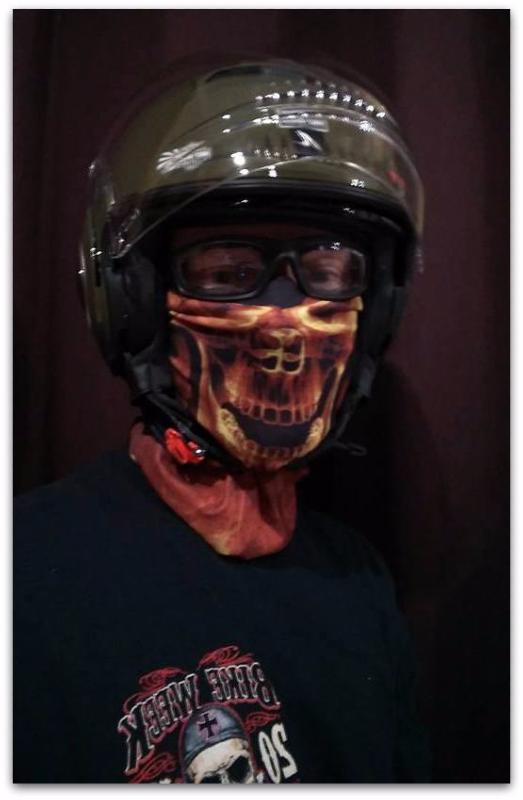 tour de cou de protection skull flamme id al pour moto v lo ski etc. Black Bedroom Furniture Sets. Home Design Ideas