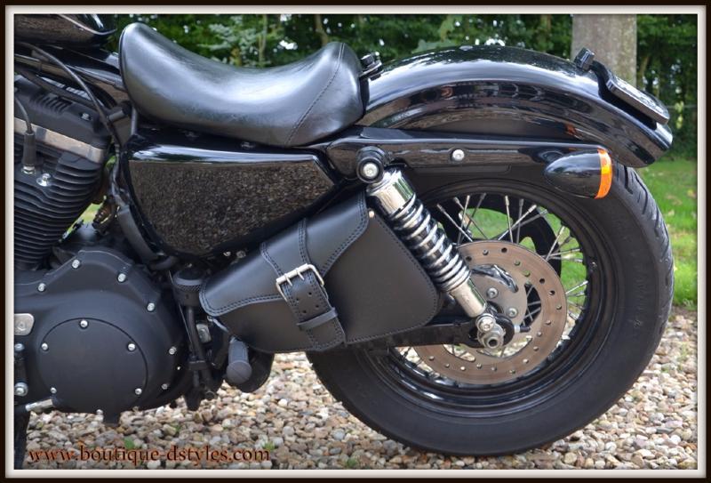 sacoche lat rale en cuir pleine fleur big fermeture pour moto custom ebay. Black Bedroom Furniture Sets. Home Design Ideas