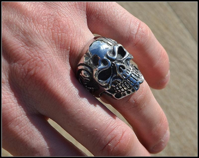 bague chevali re t te de mort skull taille 8 15 gothique biker 350128 ebay. Black Bedroom Furniture Sets. Home Design Ideas